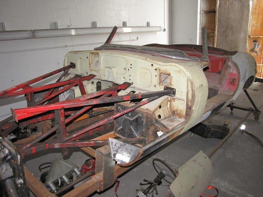 Jaguar<br><span class='model'>E-Type S1 Roadster 1966 4.2</span>